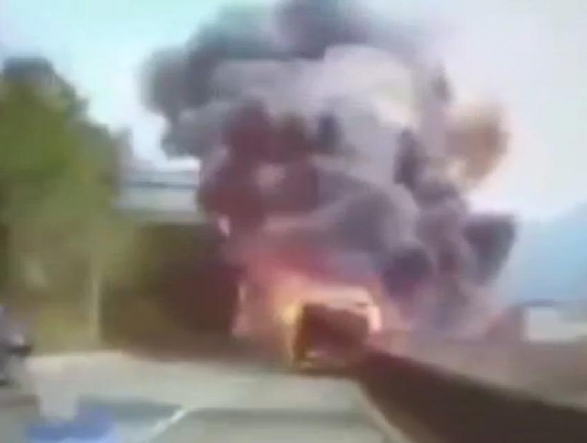 Yağ yüklü kamyon patladı: 4 ölü