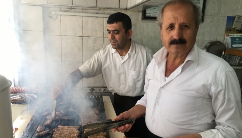 İzmir'den Amerika'ya kargoyla pişmiş köfte