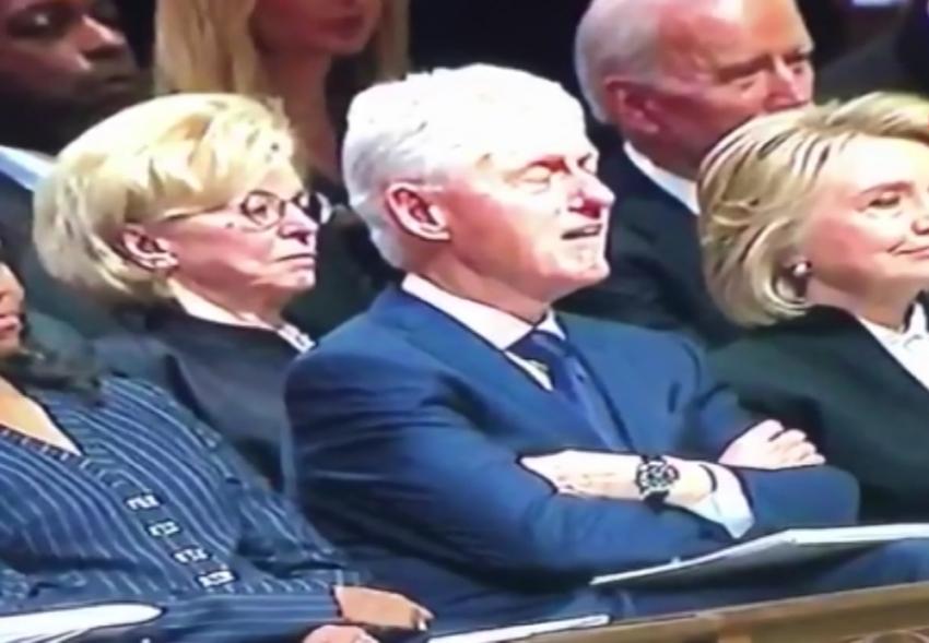 Clinton ve Biden'ın uyuması Twitter'da olay oldu