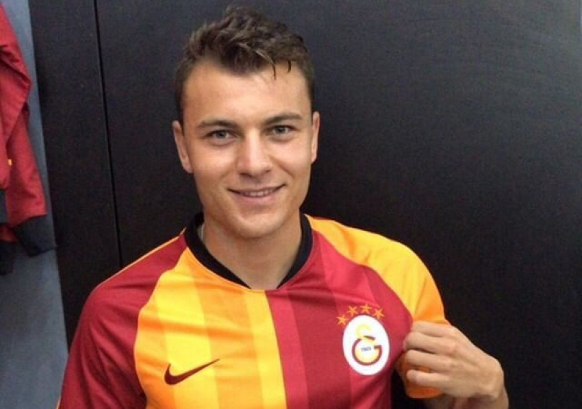 Yusuf Erdoğan Galatasaray forması giydi!