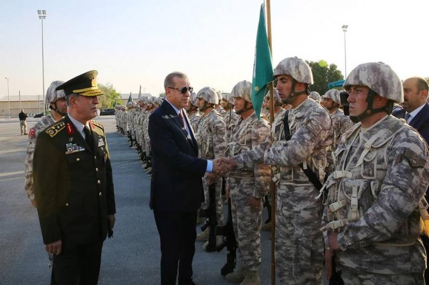 Cumhurbaşkanı Erdoğan'dan Katar'daki Türk komutanlığına ziyaret