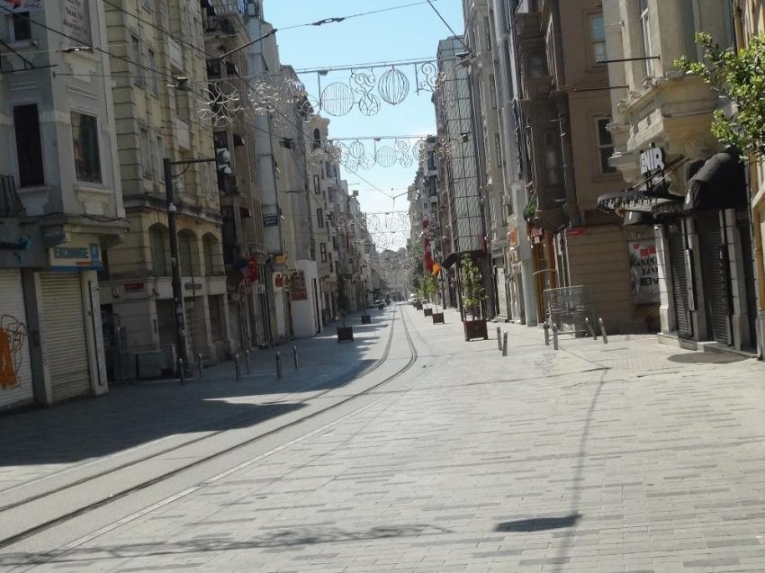 Taksim son yılların en sessiz günlerini yaşıyor