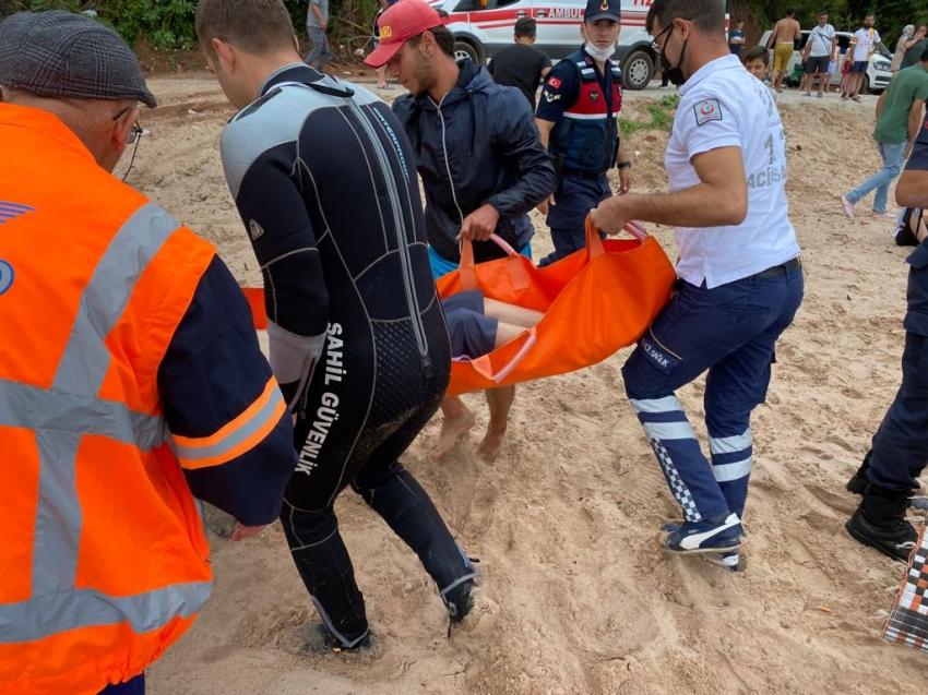 Acı haberler peş peşe geldi! 2 kişi boğuldu, 1 kişi de dalgalara kapılarak kayboldu