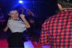 Dans severler Karmaşık'ta buluşuyor