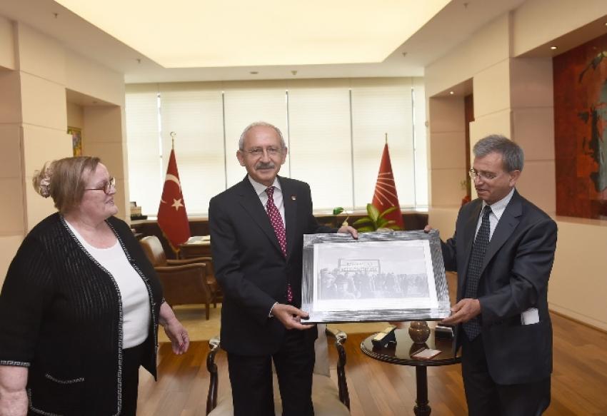 Emekli öğretmenler Kılıçdaroğlu'na konuk oldu