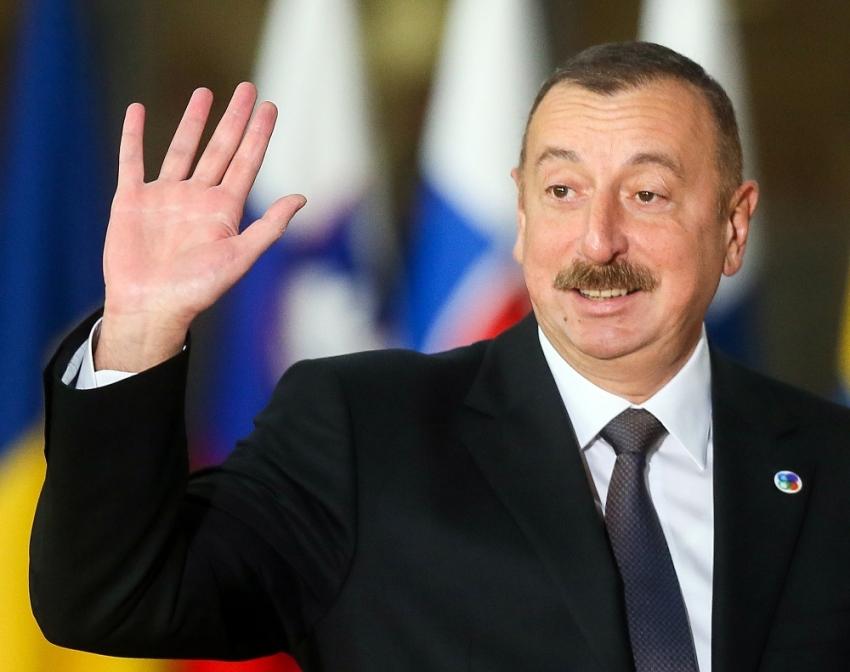Azerbaycan'da Aliyev yeniden Cumhurbaşkanı adayı