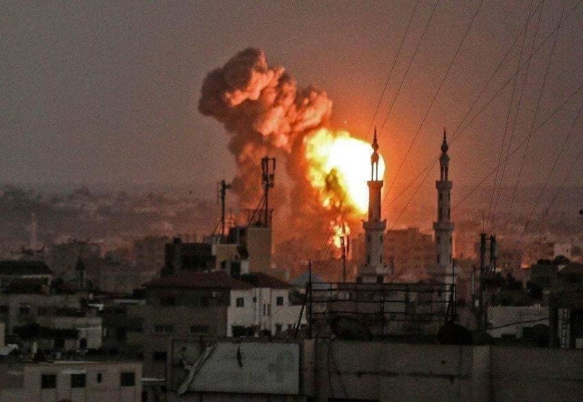 İsrail Gazze şeridini bombalıyor