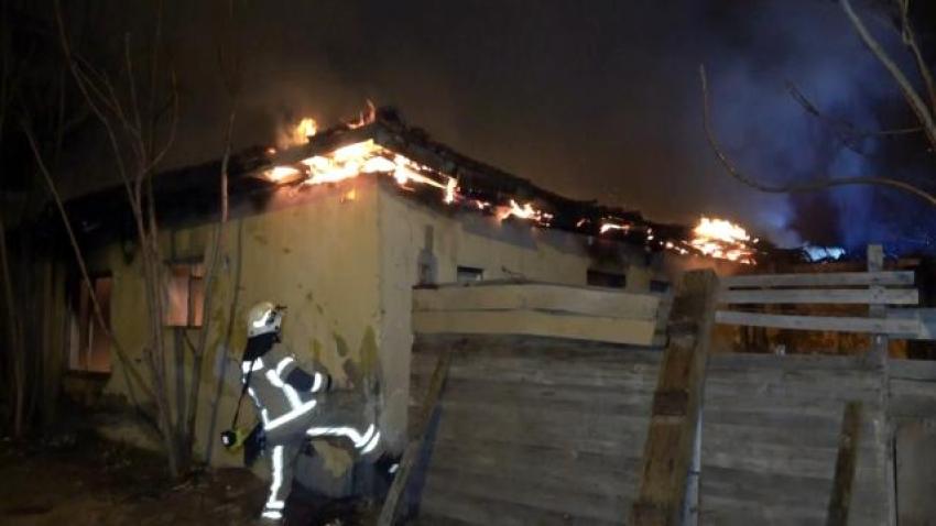 Bursa'da tinercilerin yaşadığı binada yangın