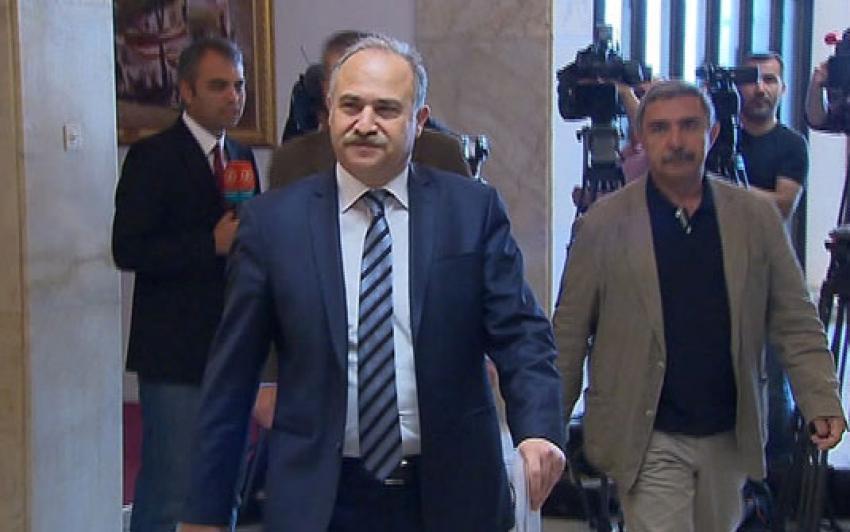 Deniz Baykal'ın Meclis Başkanlığı başvurusu yapıldı