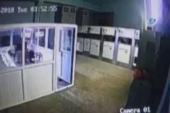 Deprem anında yaşanan panik kamerada