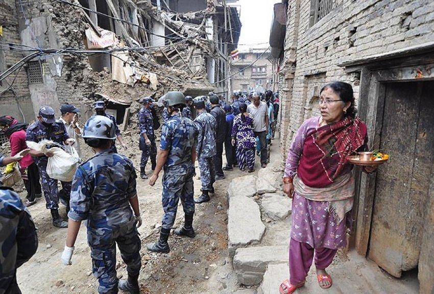Nepal'de ikinci deprem 36 can aldı