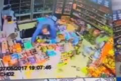 Deprem paniği kamerada