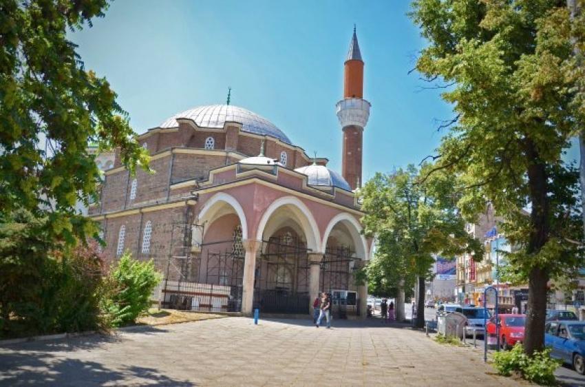 Bulgaristan'da camiler toplu namaza açıldı