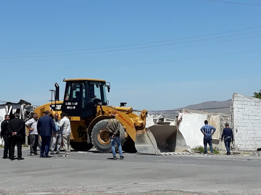Kapadokya'da 40 kaçak yapı daha yıkıldı