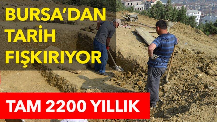 Gemlik'te 2200 yıllık lahit bulundu