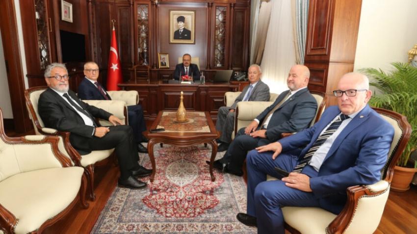 Bursaspor Divan Kurulu Vali Canbolat'ı ziyaret etti