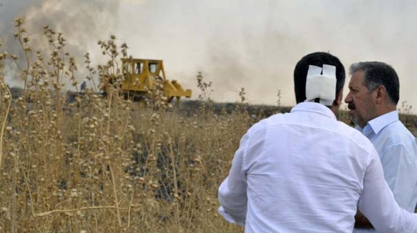 Diyarbakır'da HDP'li vekillere taşlı saldırı
