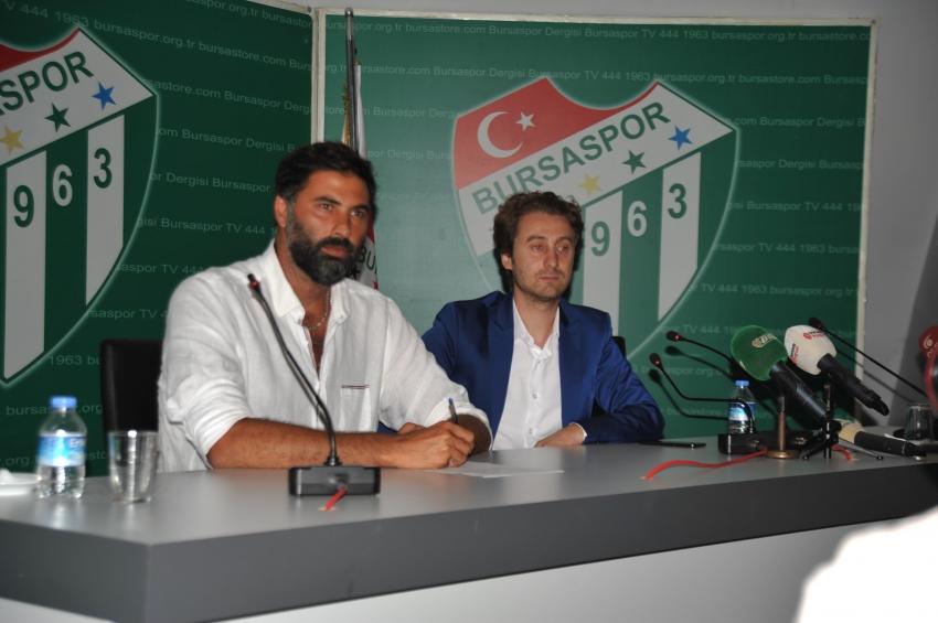 Arda Vekiloğlu imzaladı