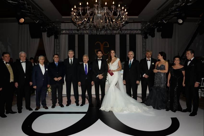 Medyatik çiftin muhteşem düğünü