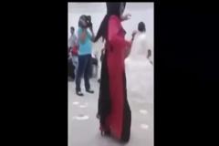 Düğünde kendini kaybeden kız!