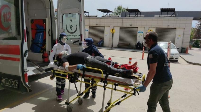 Bursa'da dün satın aldığı motosikletiyle kaza yaptı, bacağı kırıldı