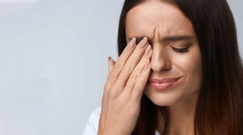 Virüsü yenen hastaların gözlerinde nodül oluşuyor