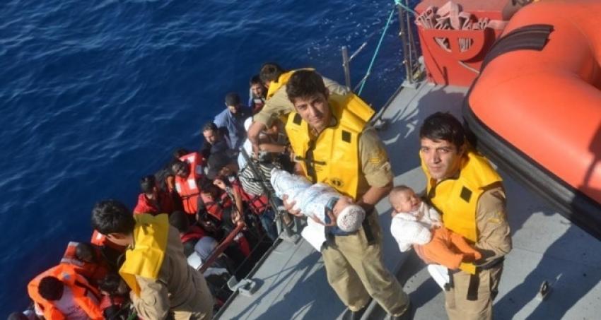 İzmir'de 57 düzensiz göçmen yakalandı