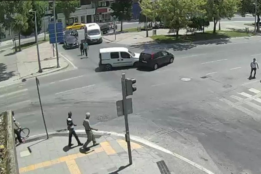Sakarya'da meydana gelen trafik kazaları kamerada