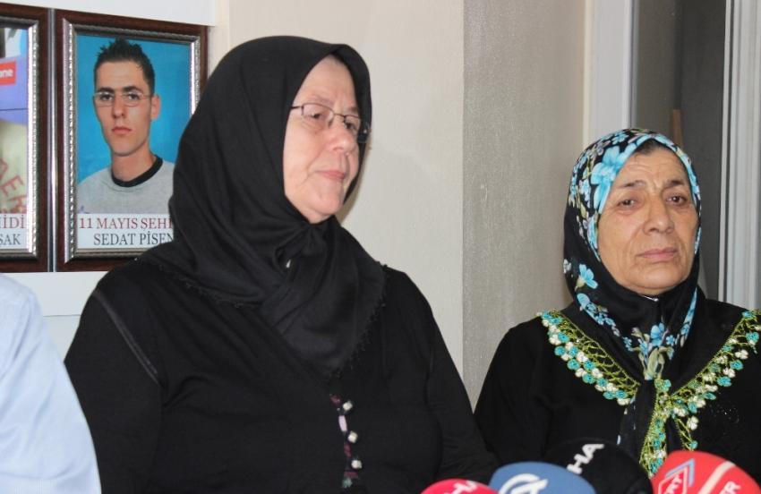 """Acılı anneden Yusuf Nazik'e: """"Evladımın katili yüzüme bak"""""""