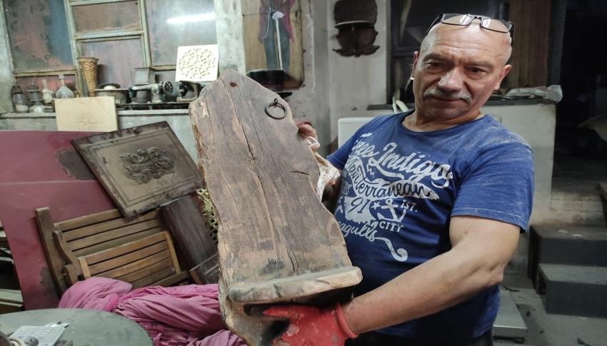 Bursa'daki sökülecek tarihî evlerin ahşaplarını aldık