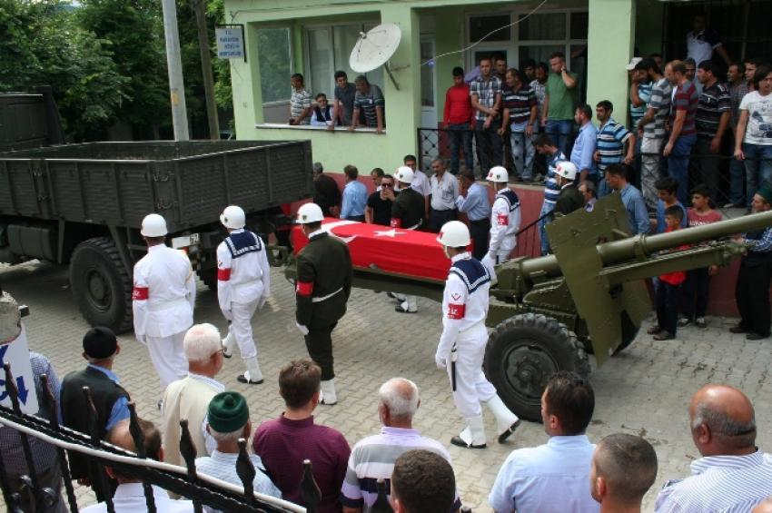 Şehit astsubay Çanakkale'de toprağa verildi
