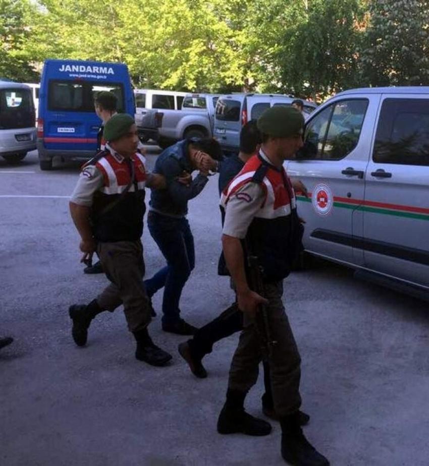 Fuhuş operasyonunda 8 tutuklama