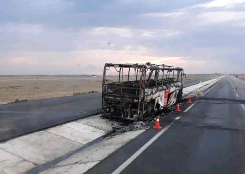 Otobüs küle döndü: Ölümden son anda kurtuldular