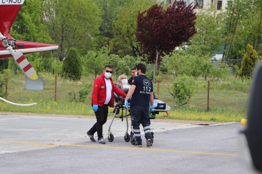 Parmağı kopan adamın imdadına hava ambulansı yetişti