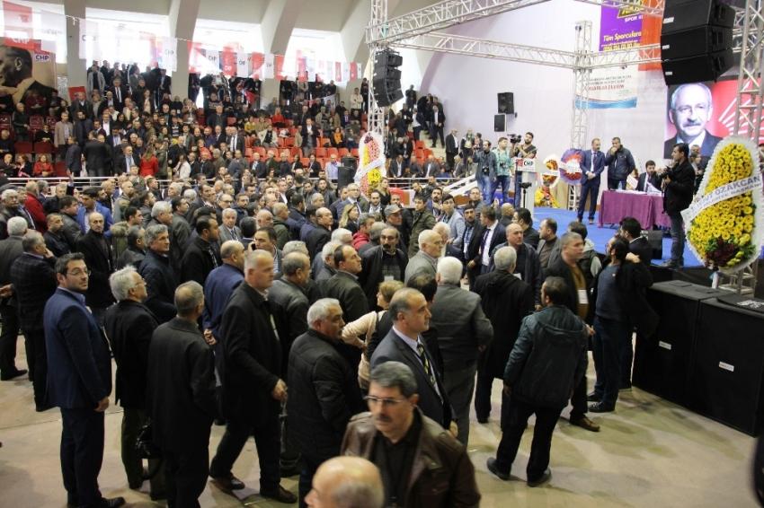 CHP kongresi yine karıştı