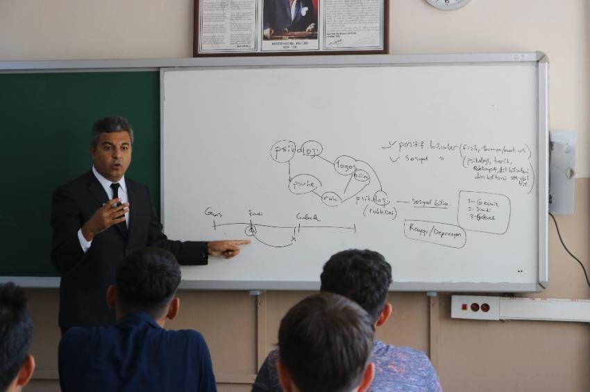 Diyarbakır'da terörün kökü eğitimle kazınacak