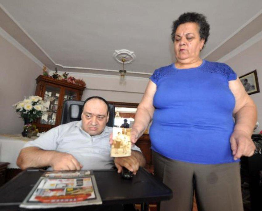 Engelli oğlunu sevgiyle hayata bağladı