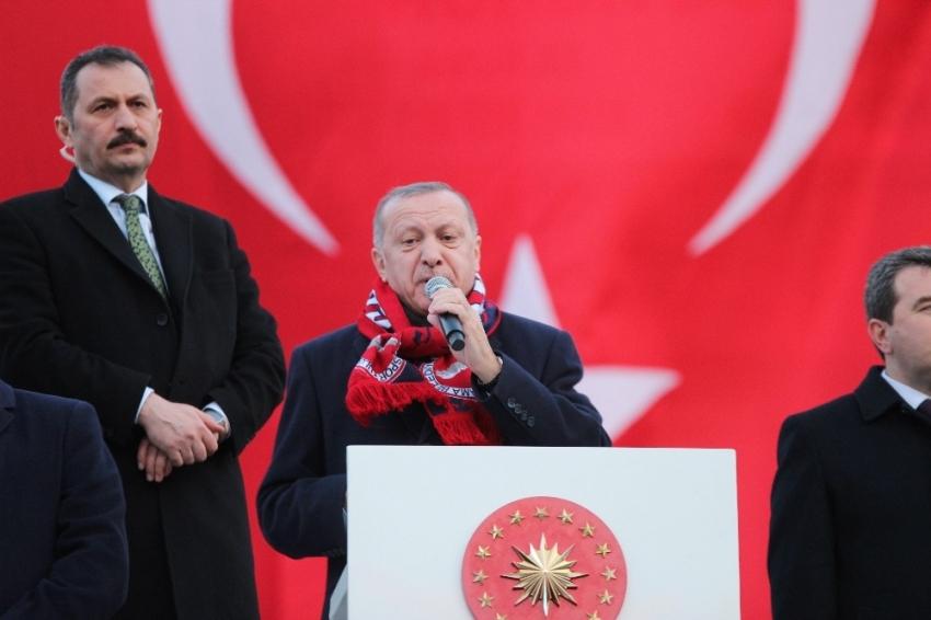 Cumhurbaşkanı Erdoğan, Bergama'da konuştu