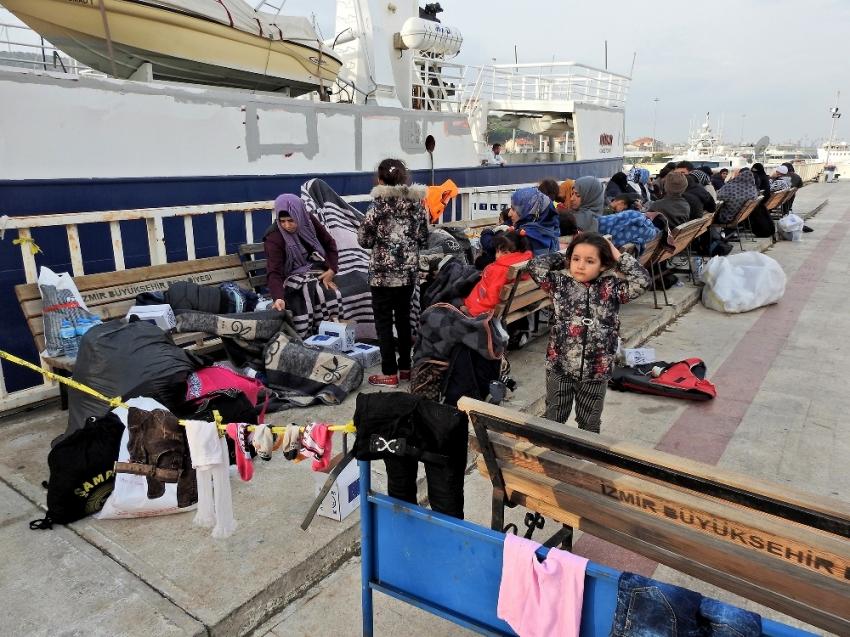 Ege'de can pazarı! 60 göçmen son anda kurtarıldı