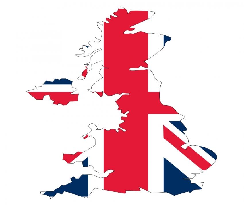 İngiltere'de bir istifa daha