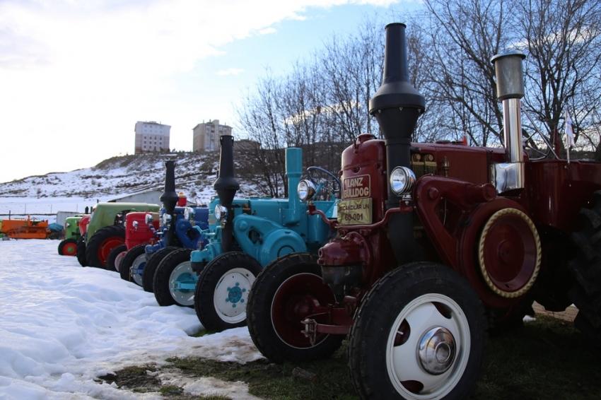 Bu da nostaljik traktör müzesi