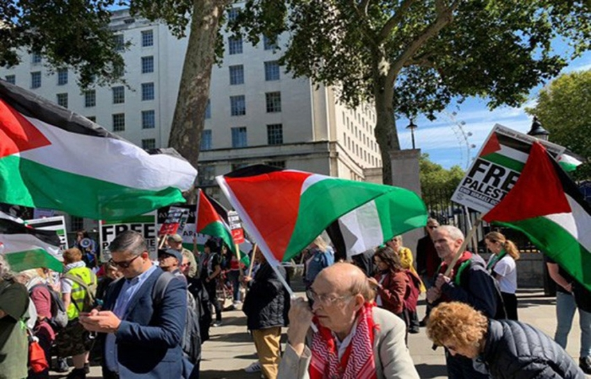 Netanyahu'nun Londra ziyareti protesto edildi
