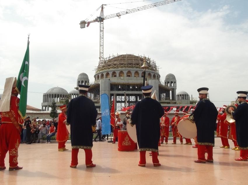 Polis Mehteran Birliği Taksim'de vatandaşları coşturdu