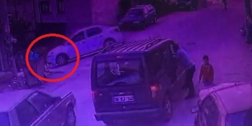 Bursa'da oyun oynayan çocuğa otomobil çarptı