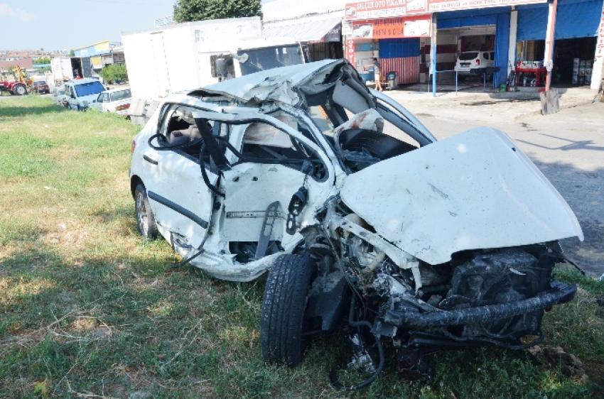 Turist taşıyan midibüs kaza yaptı! 16 yaralı