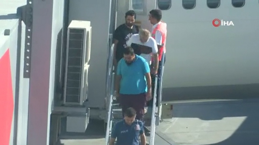 Kurtarılan Türk gemiciler yurda döndü