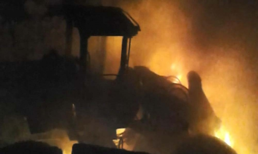 Hainler araçları ateşe verdi, EYP patlattı: 2 asker yaralı