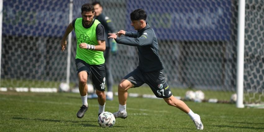 Bursaspor'da Altay maçı hazırlıkları sürüyor.