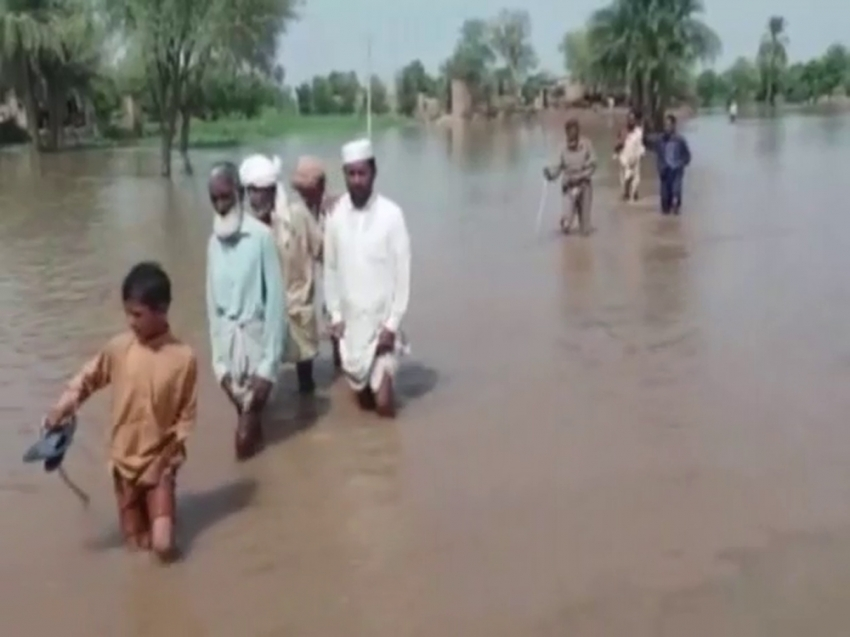 Pakistan'da sel: Yüzlerce insan tahliye edildi