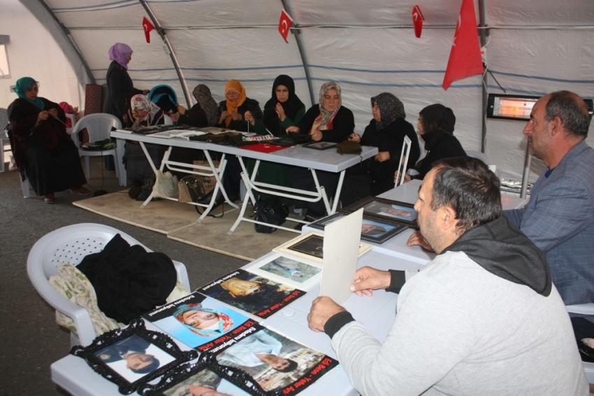 HDP önündeki ailelerin evlat nöbeti 63'üncü gününde